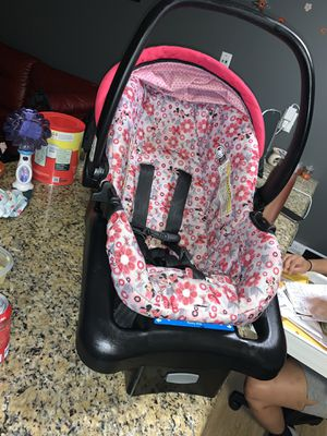 Graco car seat for Sale in Galloway, OH