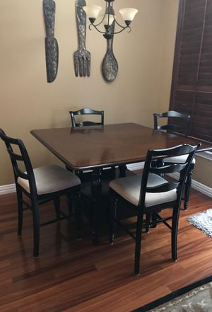 Breakfast or small dining table for Sale in Benbrook, TX