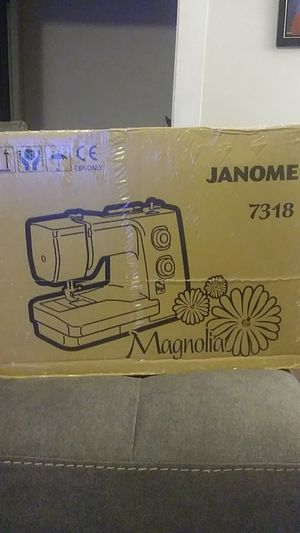 Janome Magnolia 7318 Sewing Machine for Sale in Lancaster, PA