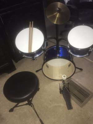 Beginner Drum Set (3 pc.) for Sale in Phoenix, AZ