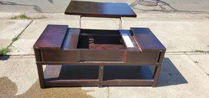 Coffe table/entertainment center for Sale in Lodi, CA