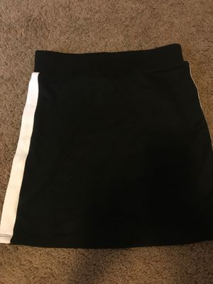 Forever21 mini black and white skirt for Sale in Vancouver, WA