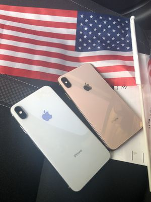 SELLING IPHONE XS MAX UNLOCKED ( 64 GB) - WHITE for Sale in Gardena, CA