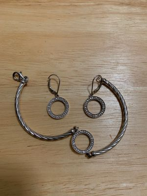 Diamond earrings with bracelet for Sale in Murfreesboro, TN
