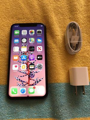 Unlocked Apple iPhone X 64gb Carrier Unlocked for Sale in Kent, WA