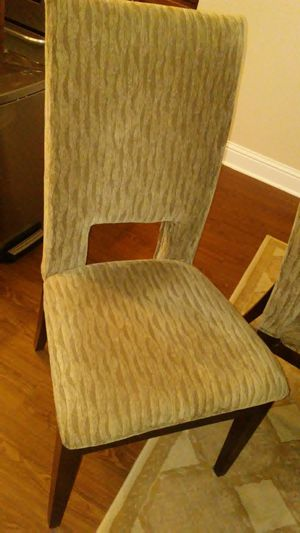 Dining Room Table & 6 Upholstered Chairs for Sale in Foley, AL