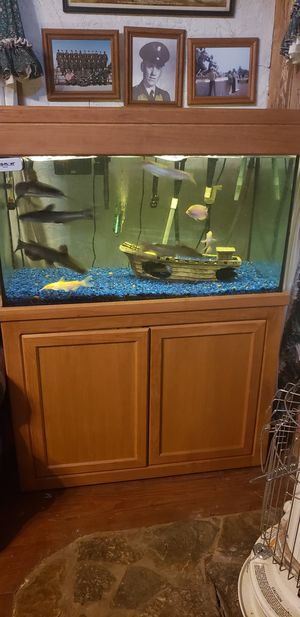 FISH INCLUDED. Est.80 gal tank and stand. for Sale in Shelbyville, TN