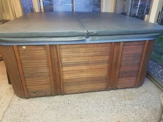Catalina 5 person hot tub for Sale in Vancouver,  WA