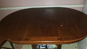 Dinning or breakfast room table for Sale in Philadelphia, PA