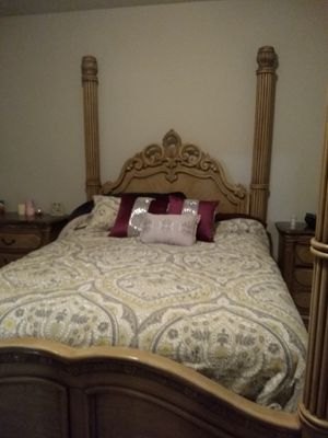 High End AICO Queen Bedroom Set - Michael Amini for Sale in Fountain, CO