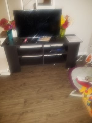 32 inches tcl,roku tv for Sale in Dallas, TX