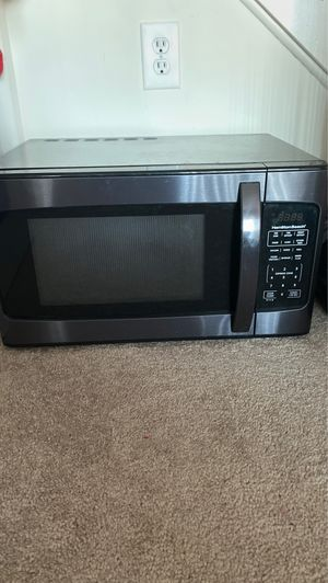 Microwave $ 30 for Sale in Staten Island, NY