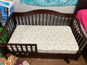 Toddler bed and Mattress for Sale in Anaheim, CA