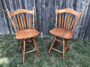 2 Wooden Swivle Chairs for Sale in Hilliard, OH