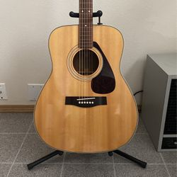 Yamaha Acoustic Guitar for Sale in Canby,  OR