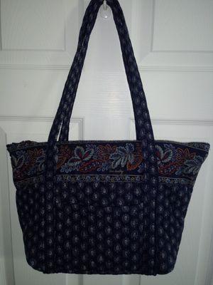 Vera Bradley purse/tote has many inside pockets...like new for Sale in Kernersville, NC