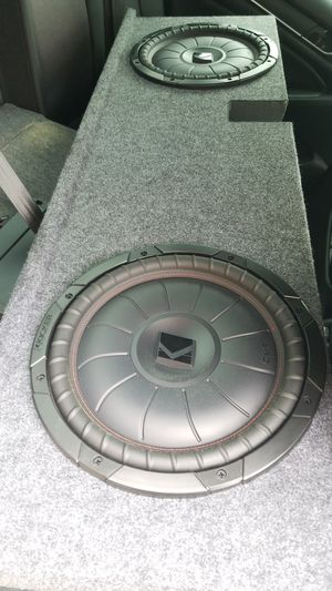 Kicker subwoofer with tacoma box dual sub for Sale in San Diego, CA