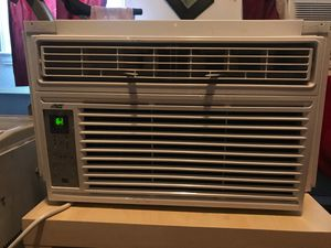 6000 BTU air conditioner in great condition blow very cold air for Sale in Washington, DC