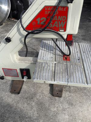 """Central machinery model 40981 12"""" band saw for Sale in Homestead, FL"""