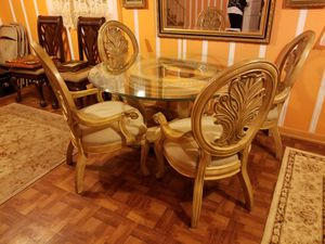 Antique Table w 4 chairs for Sale in Nashville, TN