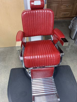 BarberPub Vintage Hydraulic Barber Chair Aluminum Alloy All Purpose Salon Beauty Spa Chair Styling Equipment 2009n Red for Sale in Montebello, CA