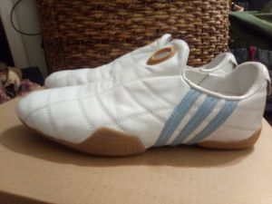 Women's Adidas size 8 for Sale in Phoenix, AZ