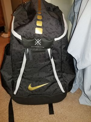 Nike Quad backpack for Sale in Lubbock, TX
