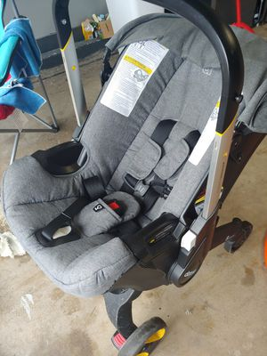 Doona car/stroller for Sale in Streamwood, IL