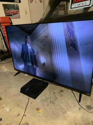 60 inch smart TV 43 inch smart TV for Sale in Acworth, GA