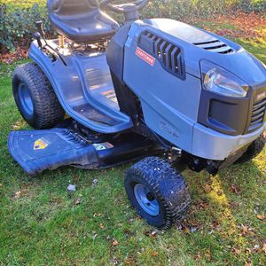 Craftsman LT 1500 Lawn Tractor for Sale in Fort Washington, MD