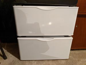 Samsung washer and dryer pedestal for Sale in Wichita, KS