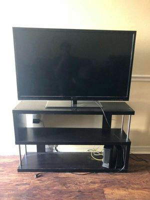 42 inch TV 100 for Sale in Tampa, FL