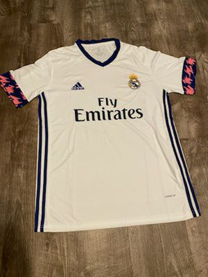 Real Madrid 2020 / 2021 Home Jersey M for Sale in Schaumburg, IL
