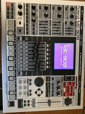 Roland mc909 groovebox for Sale in Penrose, CO