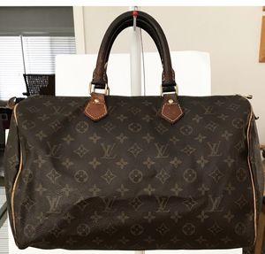 Authentic Louis Vuitton Monogram Speedy 35 Shoulder Bag for Sale in West Covina, CA