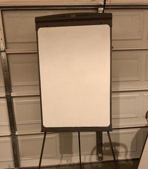 Quartet White board flip chart. Excellent condition for Sale in Stone Mountain, GA