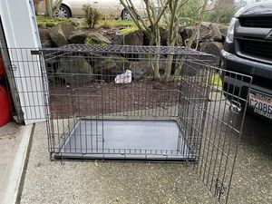 Med-Large Petco brand wire Dog Kennel for Sale in Redmond, WA