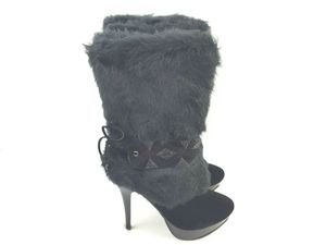 Italina by Summer Rio Women's Faux Fur Platform Boots Black BD3010 for Sale in Windsor, ON