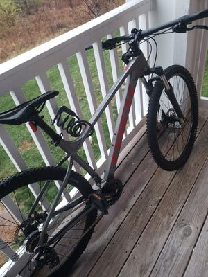 Trek Marlin 4 mountain bike for Sale in Lake Saint Louis, MO