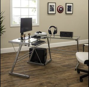 L Shape computer desk for Sale in District Heights, MD