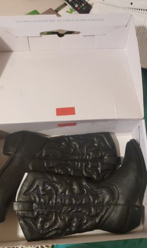 Boots 👢 for woman size 8 $30 dlls. for Sale in El Monte, CA