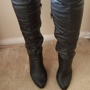 Black round toe thigh high boot for Sale in Silver Spring, MD