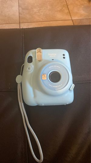 Instax mini 11 camera for Sale in Rowland Heights, CA