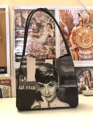 audrey hepburn breakfast at tiffany's purse for Sale in Santa Ana, CA