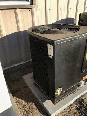 Aquatherm pool heat pump w/wty for Sale in Tampa, FL