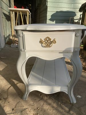 French Provincial Table with 2 leafs for Sale in Riverside, CA