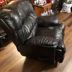 Recliner 50$ (i Have 2) for Sale in Fairmont,  WV