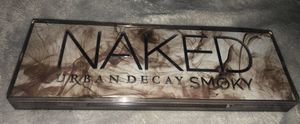 Naked urban decay smoky eye shadow pallet for Sale in Pico Rivera, CA