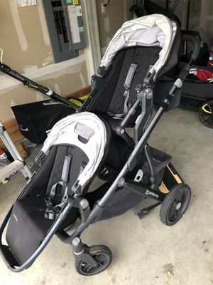 Near perfect condition UppaBaby Vista for Sale in Bothell, WA