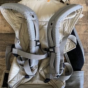 Ergobaby Carrier Excellent Condition for Sale in Miami, FL
